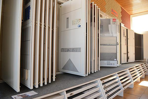 badezimmer fliesen braunschweig fugenlose betonoptik wand. Black Bedroom Furniture Sets. Home Design Ideas